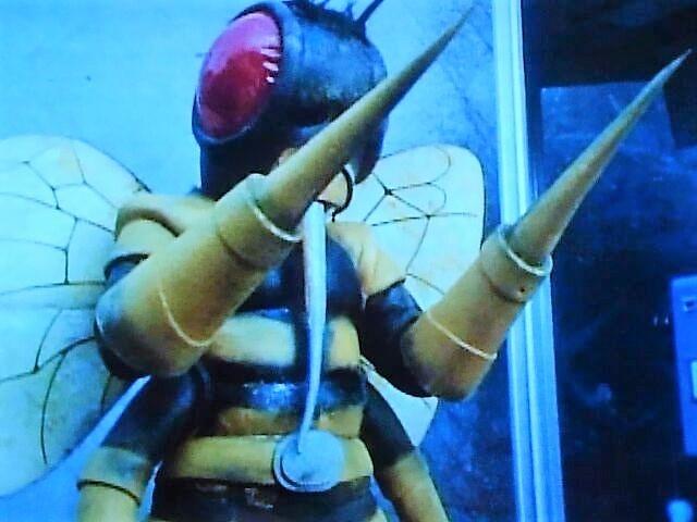 ハチ獣人①.jpg