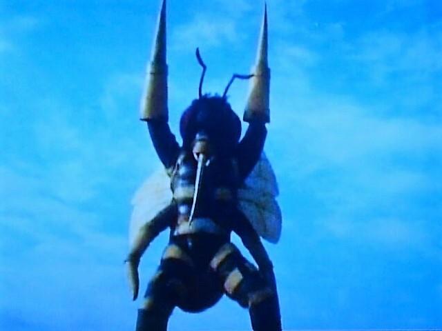 ハチ獣人②.jpg